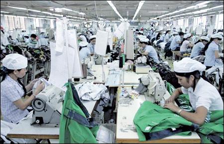 Tuyển gấp 25 nữ tham gia chương trình xuất khẩu lao động nghề may mặc